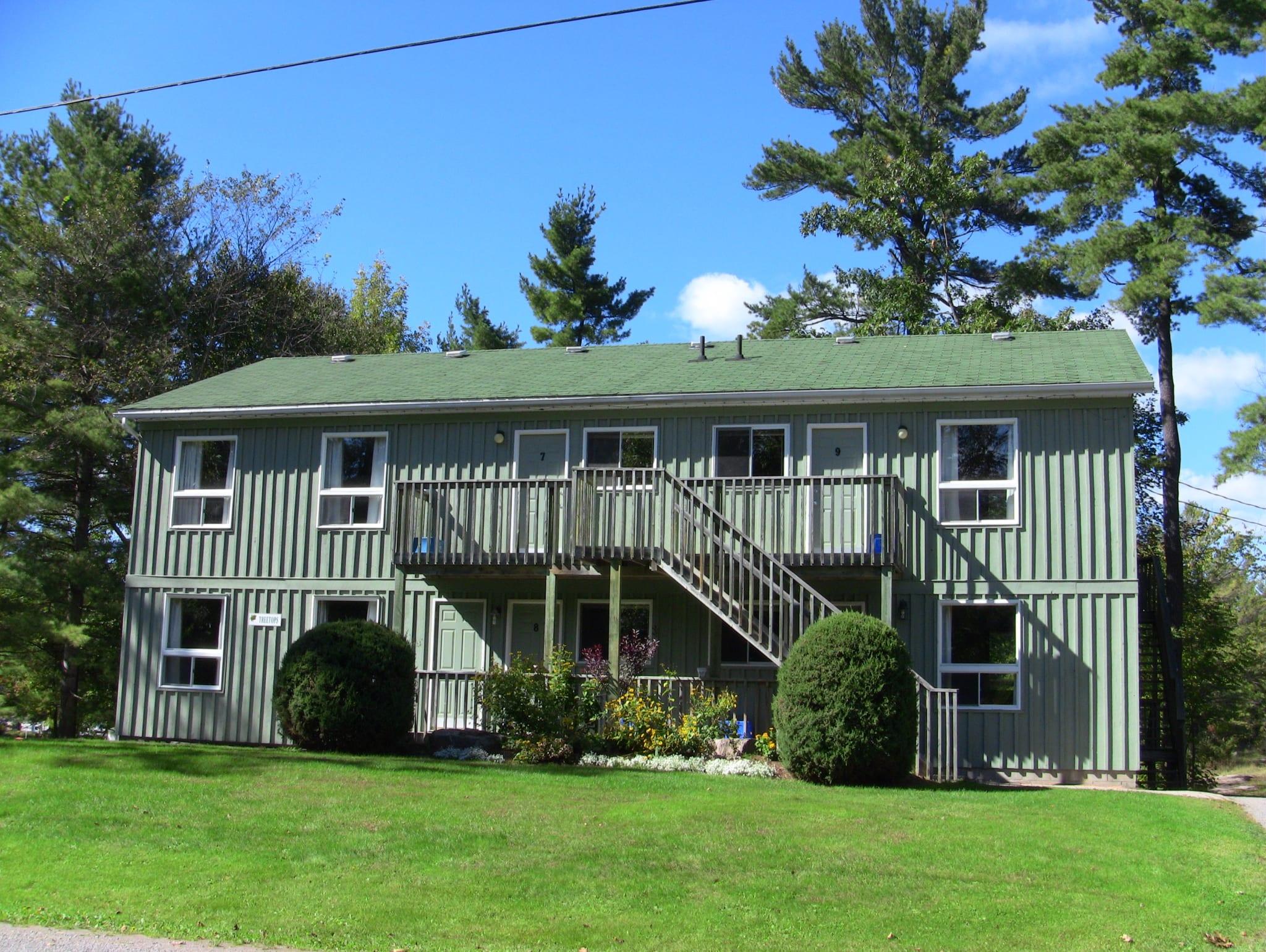 Pine Vista Resort Treetop accommodation exterior