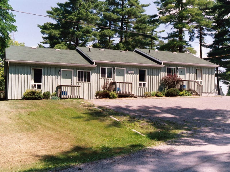 Pine Vista Resort Pines accommodation exterior